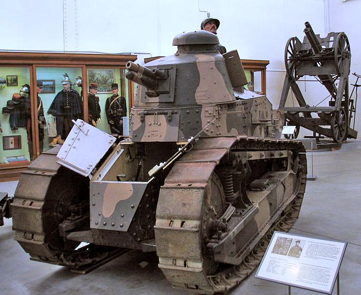 Танк Рено FT-17.  Лучший танк первой мировой войны. фото