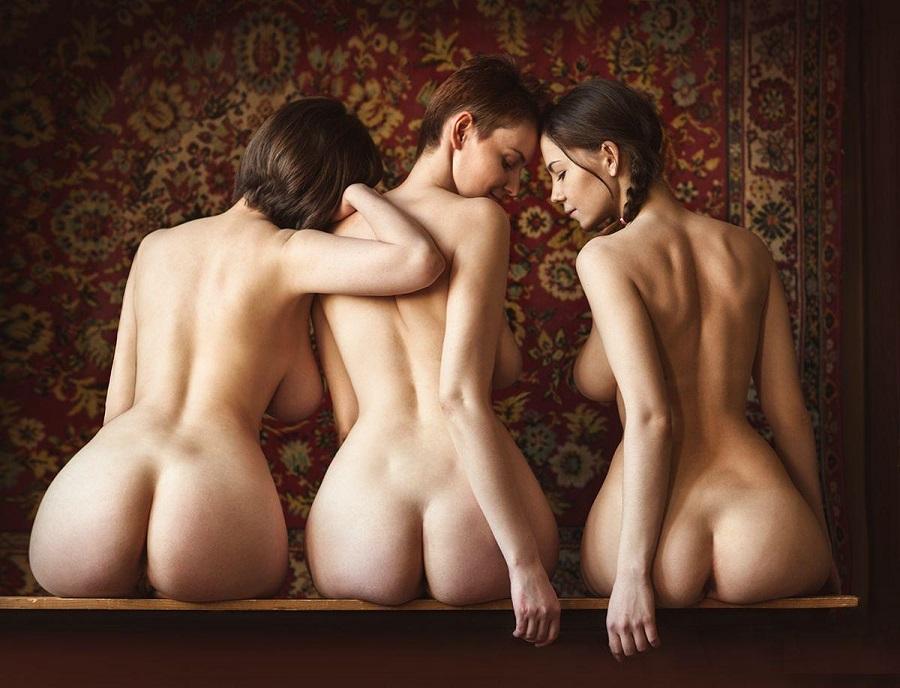 erotika-i-zhenskaya-grud