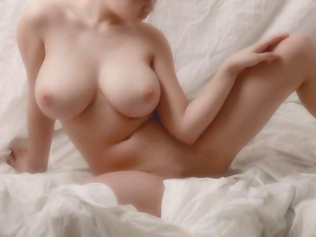 Эротика обнажённая женская грудь 25 фотография