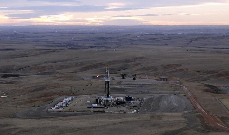 В 1951 г. здесь были открыты крупные месторождения нефти